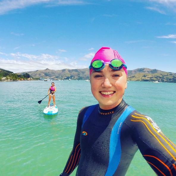 AMANZI Girl Laura Wood stand-up paddling